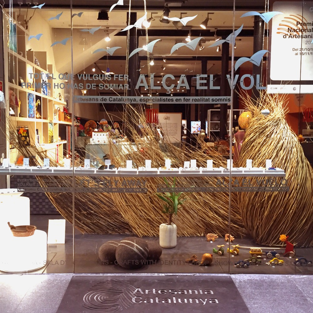 Escaparate artesan a de catalunya barcelona shopping city - Artesania barcelona ...
