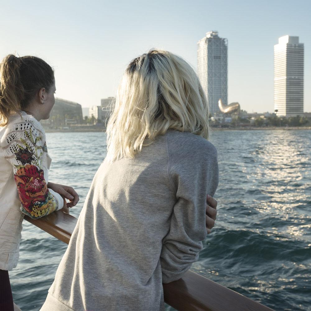 Contempla Barcelona desde el mar, con Desigual | Barcelona Shopping City