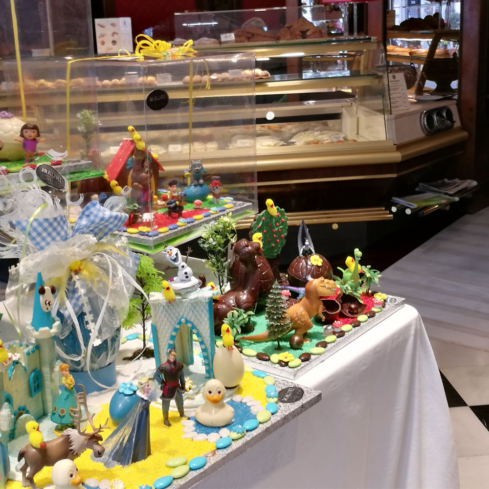 Mones de Pasqua, works of art for the Easter holidays in our cake shop windows | Barcelona Shopping City