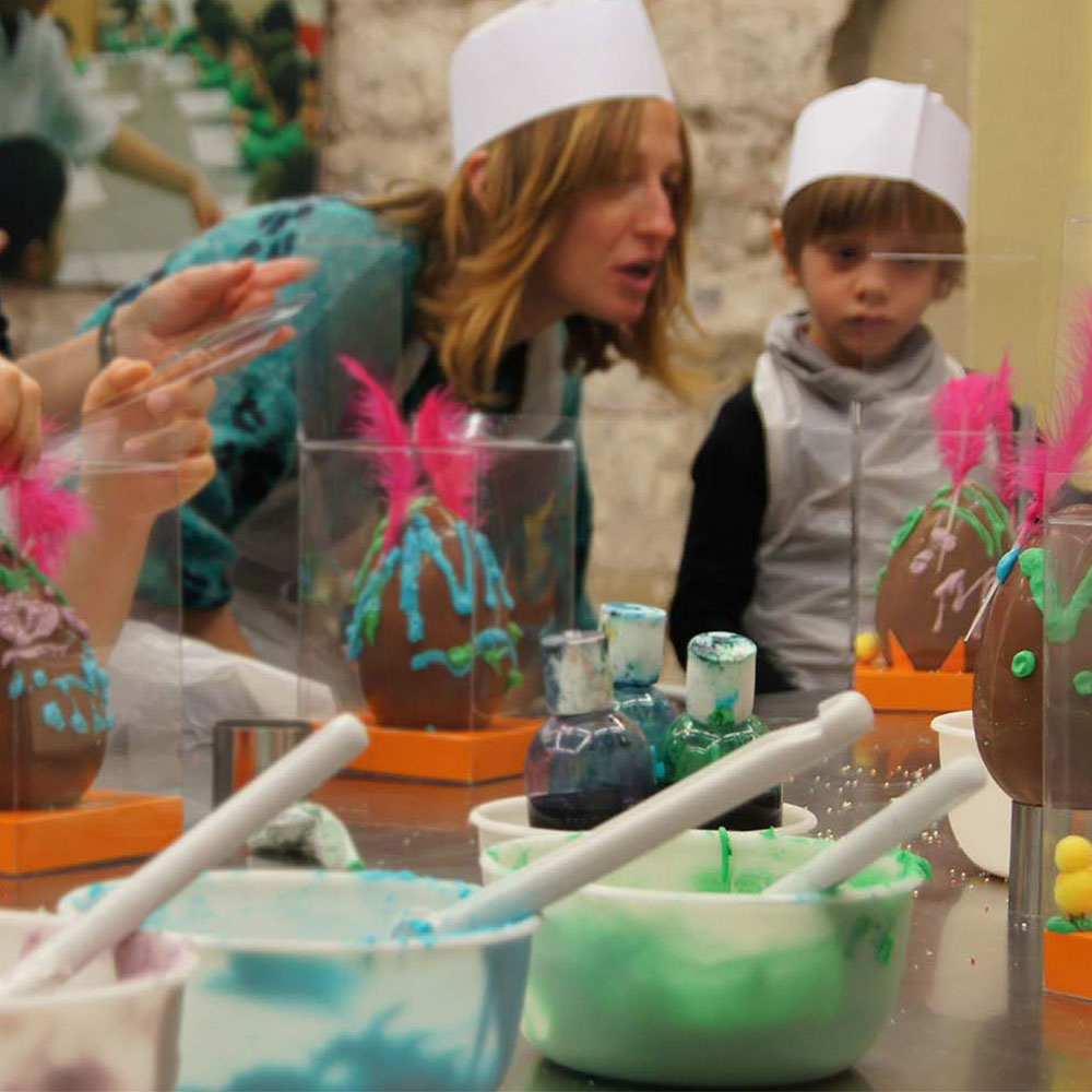 Create your own Easter egg at the Museu de la Xocolata | Barcelona Shopping City