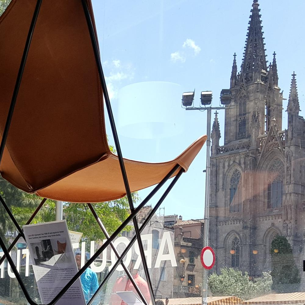 Cooperativa d'Arquitectes Jordi Capell | Barcelona Shopping Line | Artesanía y regalos