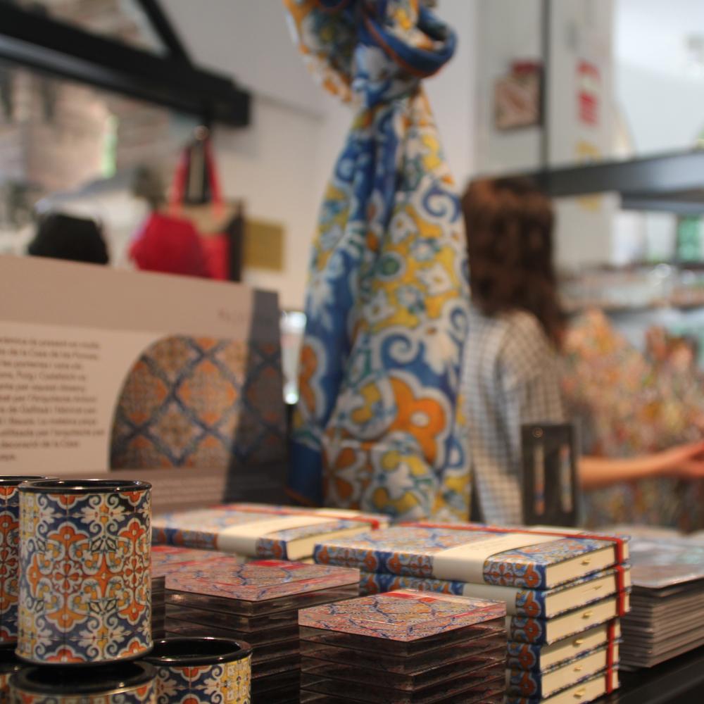 Casa de Les Punxes | Barcelona Shopping City | Tiendas de Museos
