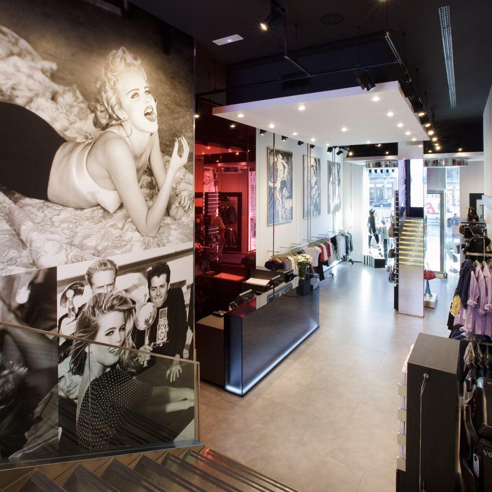 Guess | Barcelona Shopping Line | Moda