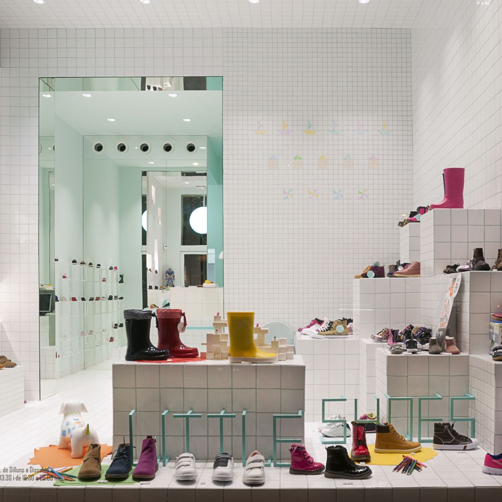 Little Shoes | Barcelona Shopping Line | Niños