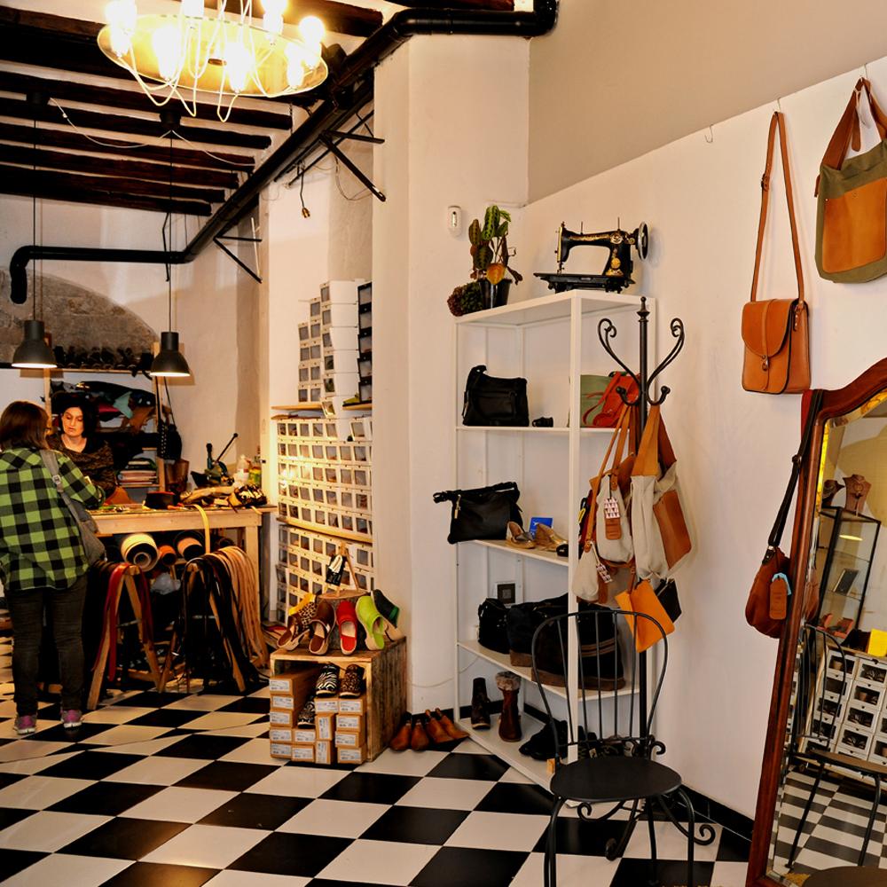 La Vie En Cuir | Barcelona Shopping Line | Complementos