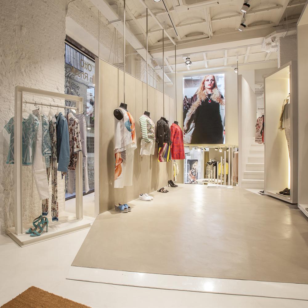 Otto Van Rhusk   Barcelona Shopping City   Moda