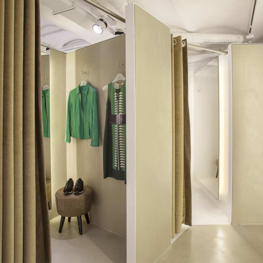 Otto Van Rhusk | Barcelona Shopping Line | Moda
