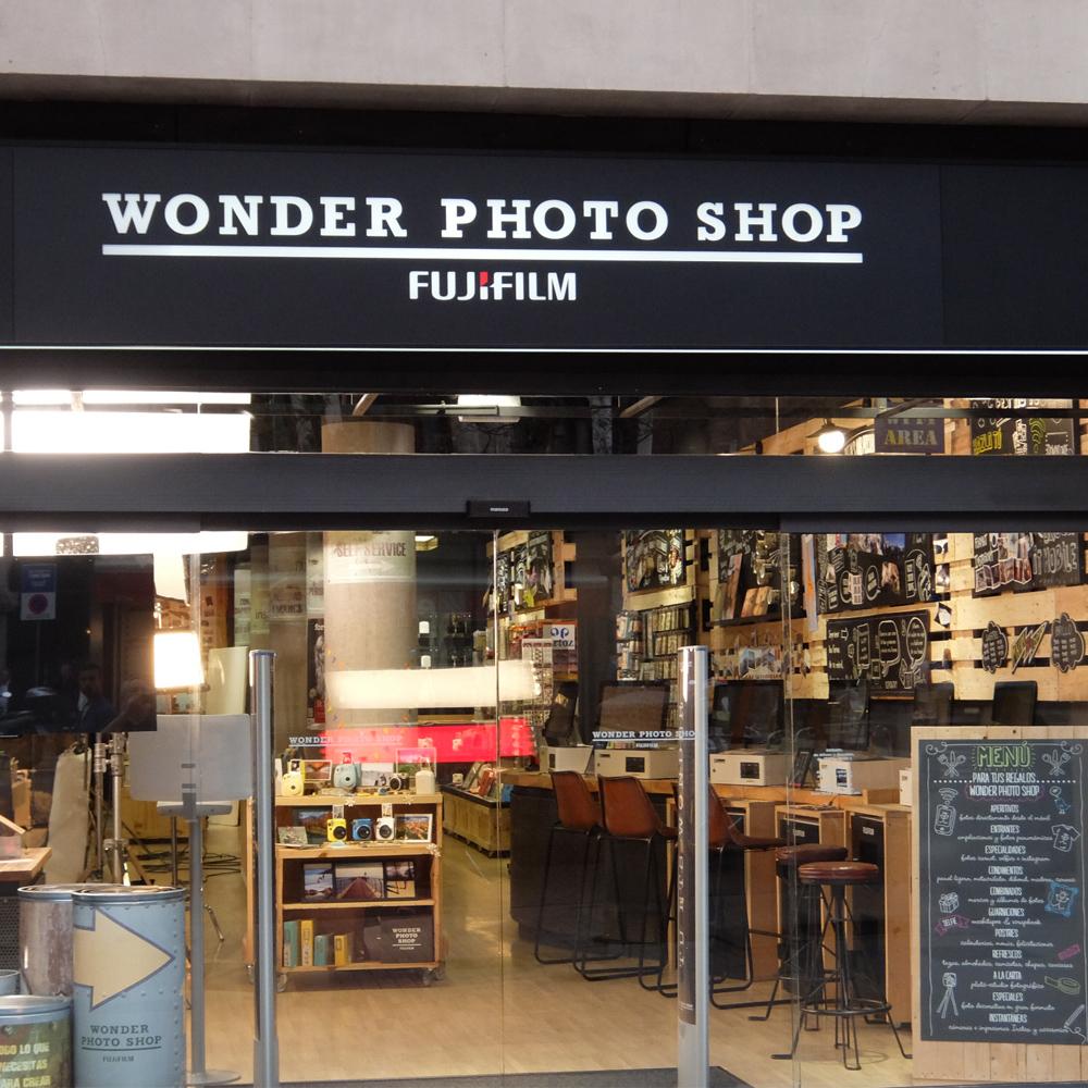 Wonder Photo Shop | Barcelona Shopping City | Artesanía