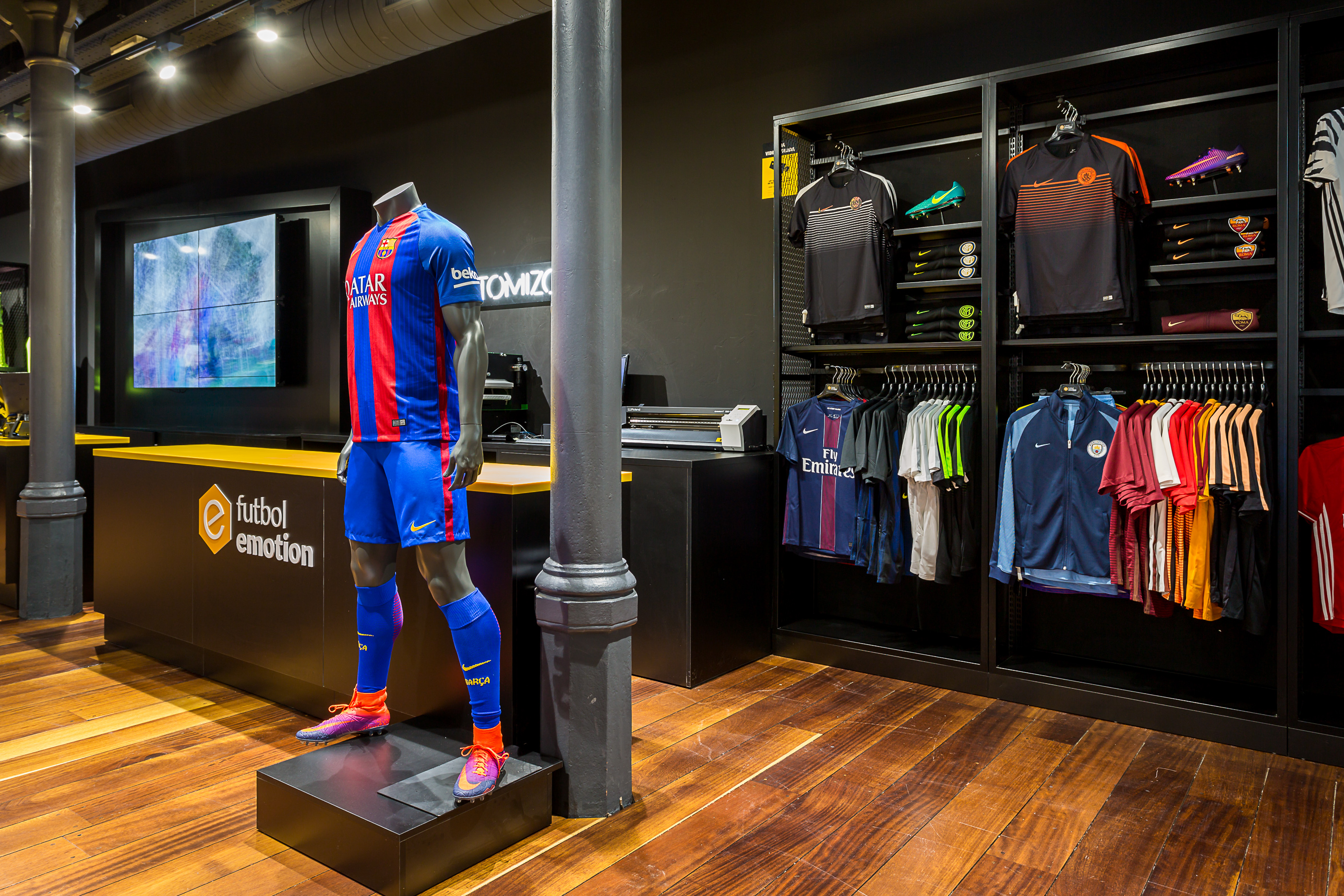Futbol Emotion | Barcelona Shopping City | Deportes