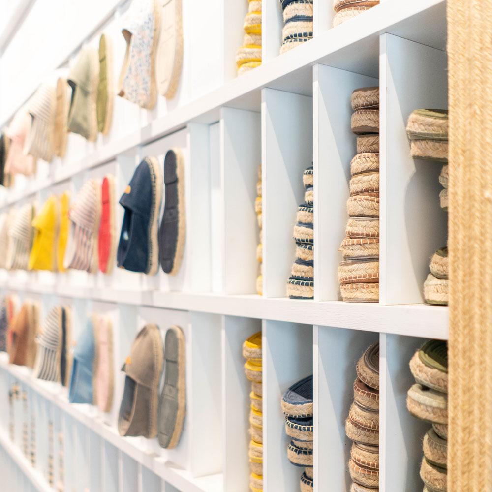 Toni Pons | Barcelona Shopping City | Artesanía y regalos, Moda y Diseñadores, Zapaterías