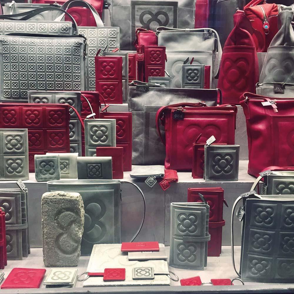 Calpa | Barcelona Shopping City | Artesanía y regalos, Complementos, Diseñadores