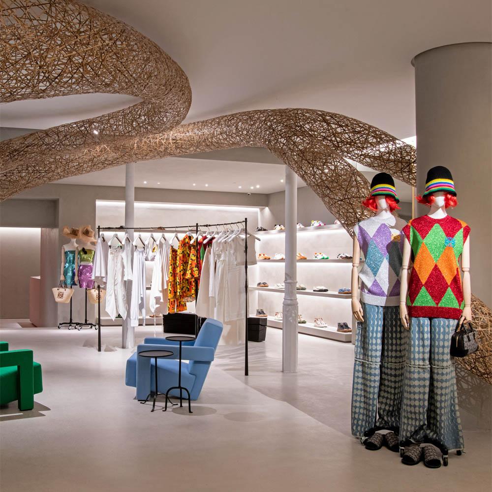 Loewe | Barcelona Shopping City | Compléments, Mode et Stylistes