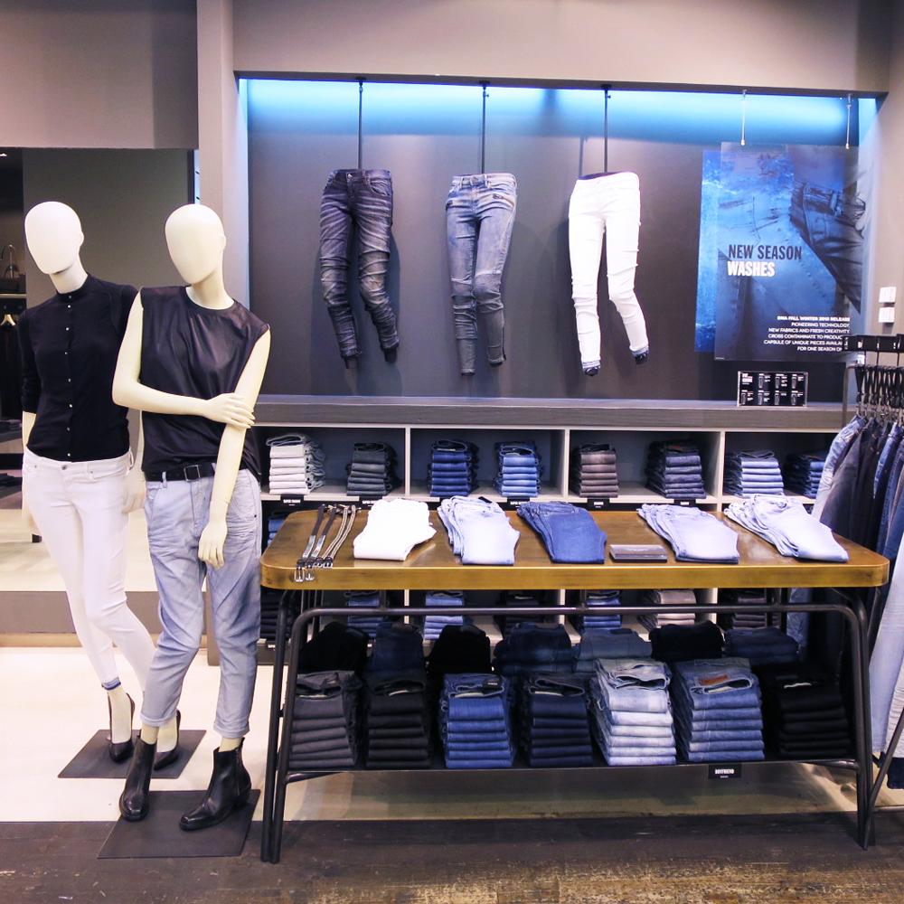 Diesel | Barcelona Shopping City | Abbigliamento e Stilisti