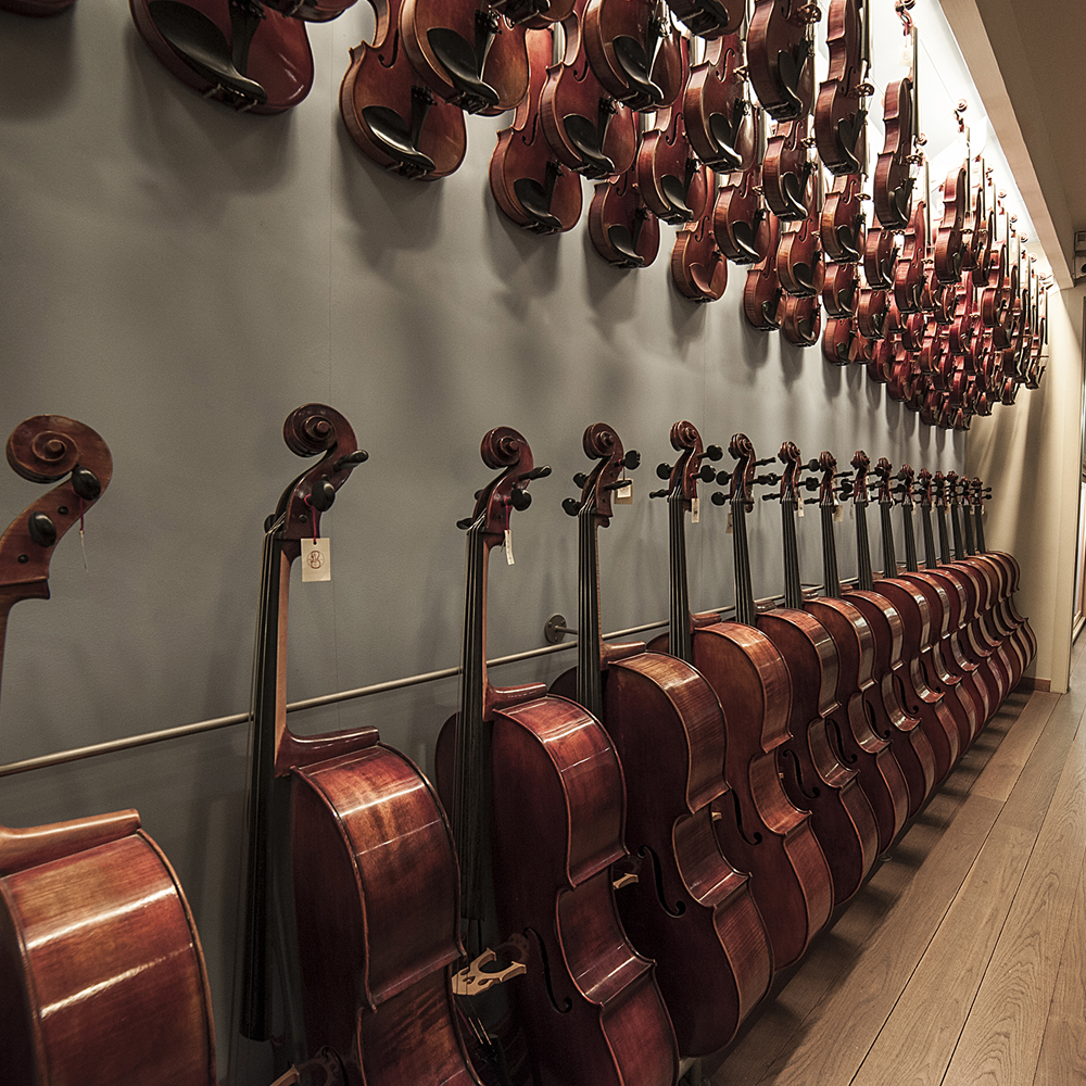 Luthier Vidal | Barcelona Shopping City | Handicrafts and gifts