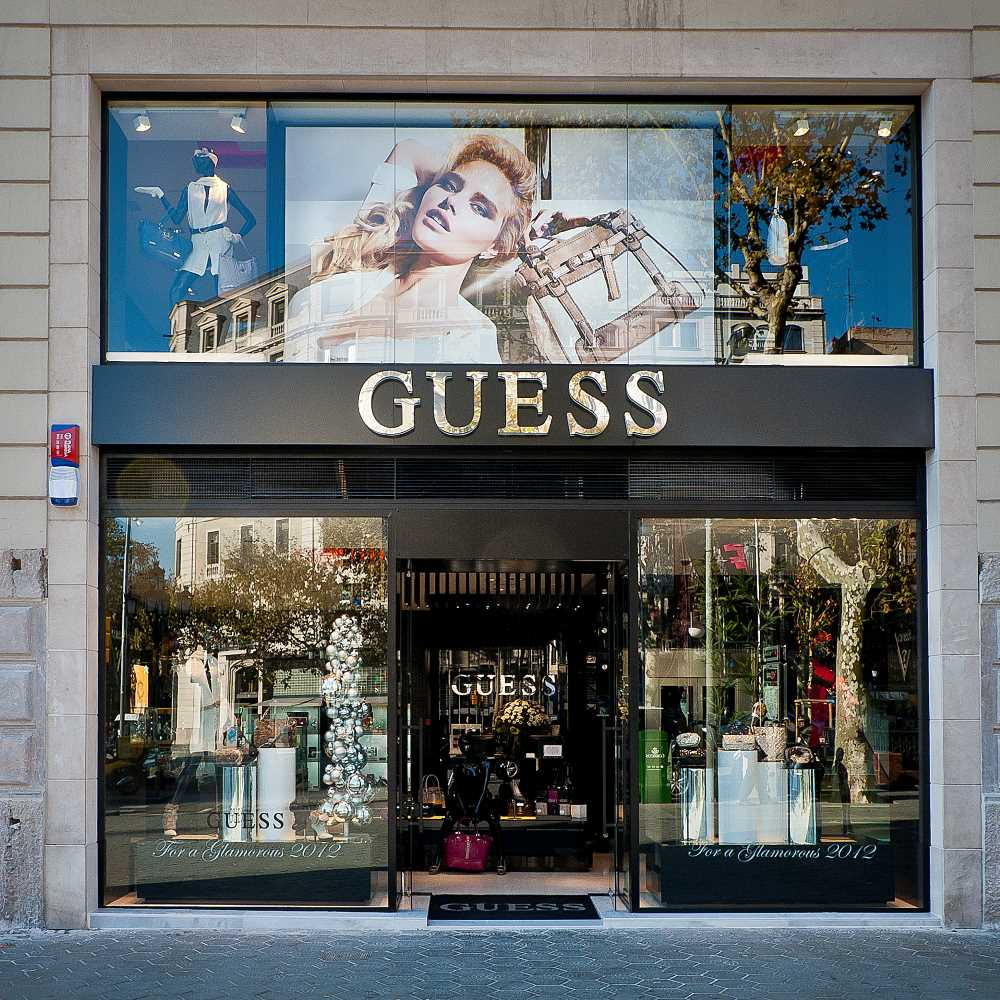 Guess | Barcelona Shopping City | Moda y Diseñadores