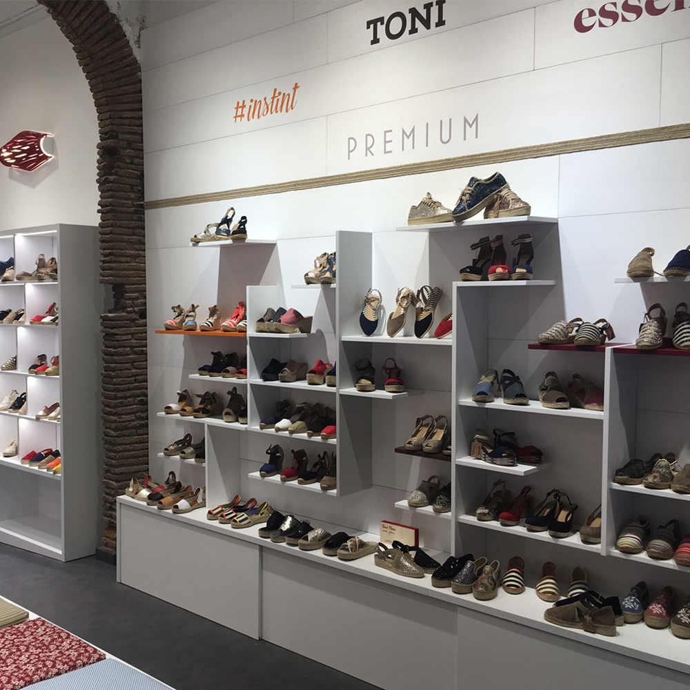 Toni Pons | Barcelona Shopping City | Handicrafts and gifts, Fashion and Designers, Shoes