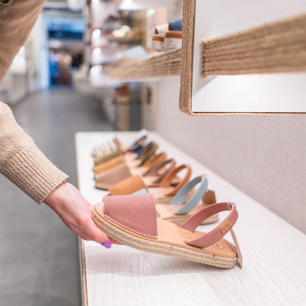 Toni Pons | Barcelona Shopping City | Artigianato e regali, Abbigliamento e Stilisti, Scarpe