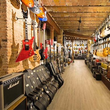 Fanatic Guitars | Barcelona Shopping City | Handicrafts and gifts