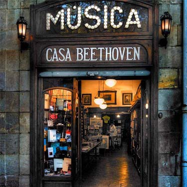 Casa Beethoven | Barcelona Shopping City | Century-old shops